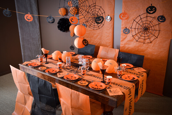 L 39 essentiel de la f te d 39 halloween for Decoration de table halloween