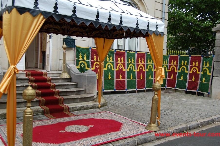Décoration d'extérieur pour fête orientale.