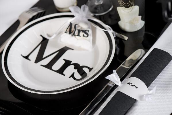 Assiette mariage blanche et noire