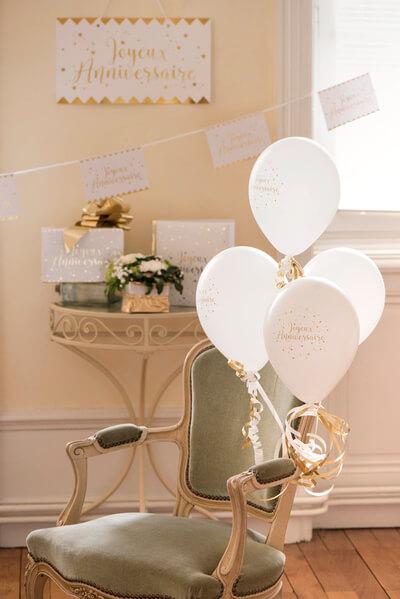 Ballon joyeux anniversaire blanc et or