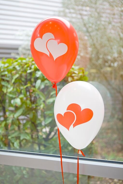Ballon latex mariage coeur blanc et rouge