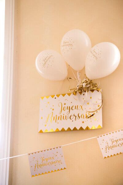 Banderole joyeux anniversaire or et blanc