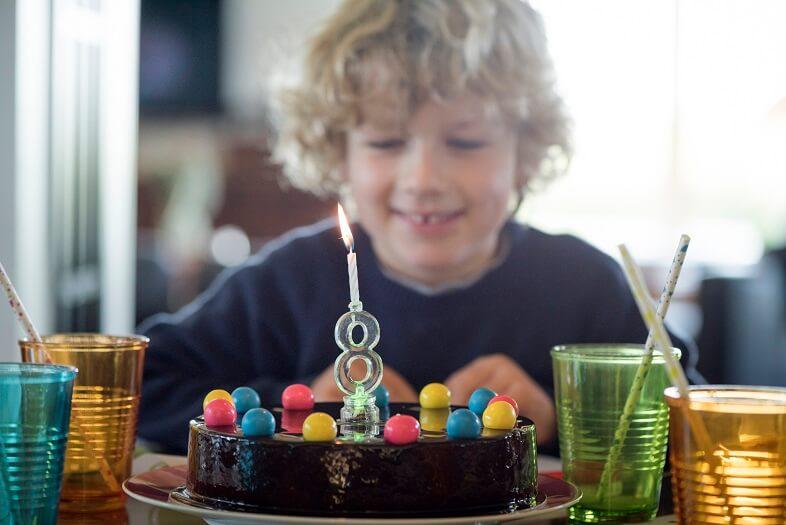 Bougie led anniversaire
