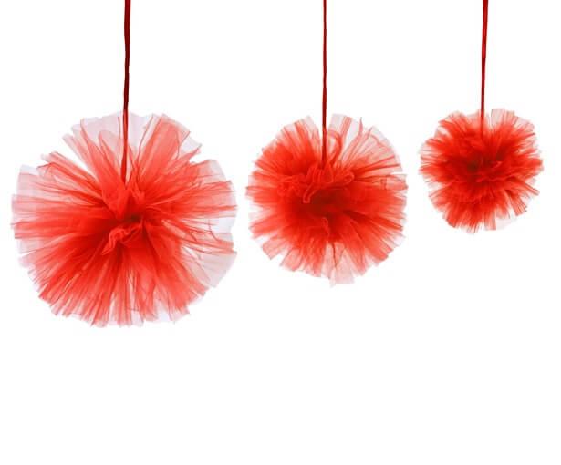 Boule pompon tulle rouge