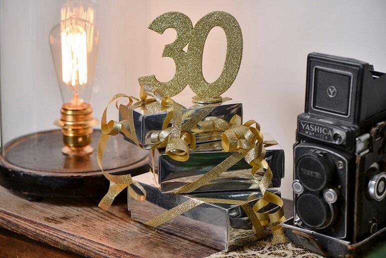 Centre de table joyeux anniversaire 30ans