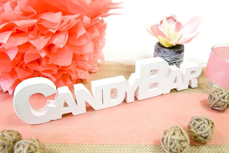 Centre de table lettre en bois candy bar blanche