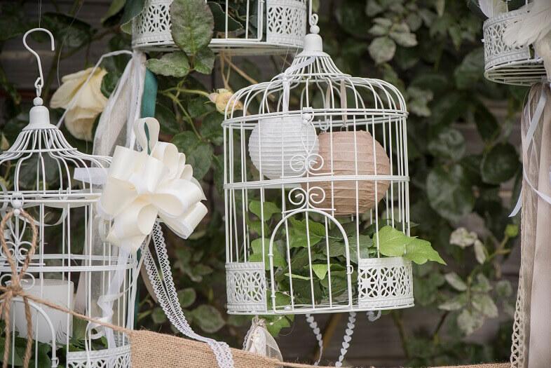Centre de table mariage cage metallique blanche
