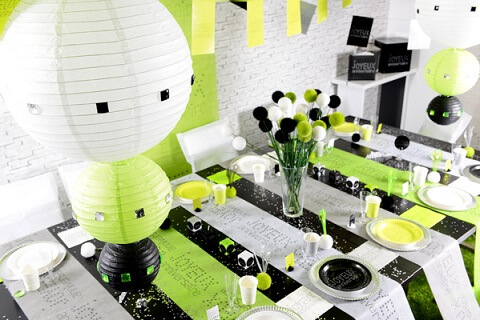 Chemin de table anniversaire blanc 4