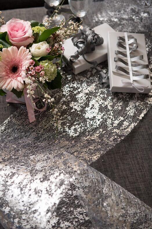 Chemin de table argent metallique de noel