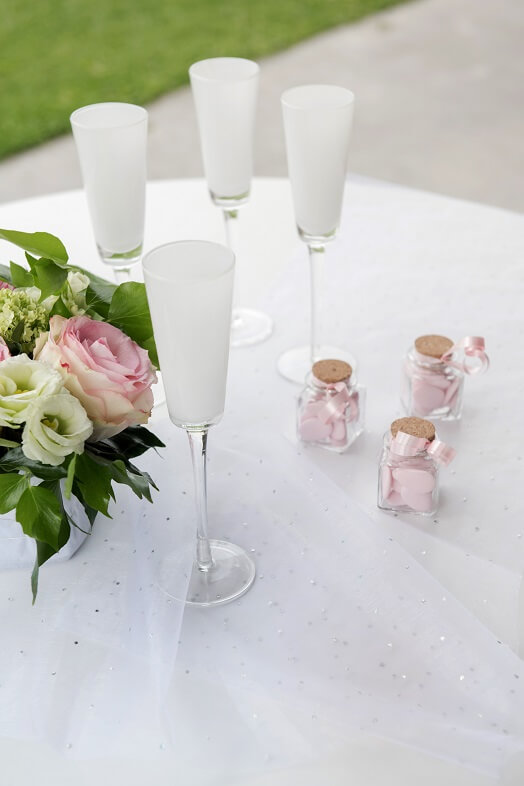 Chemin de table blanc avec strass