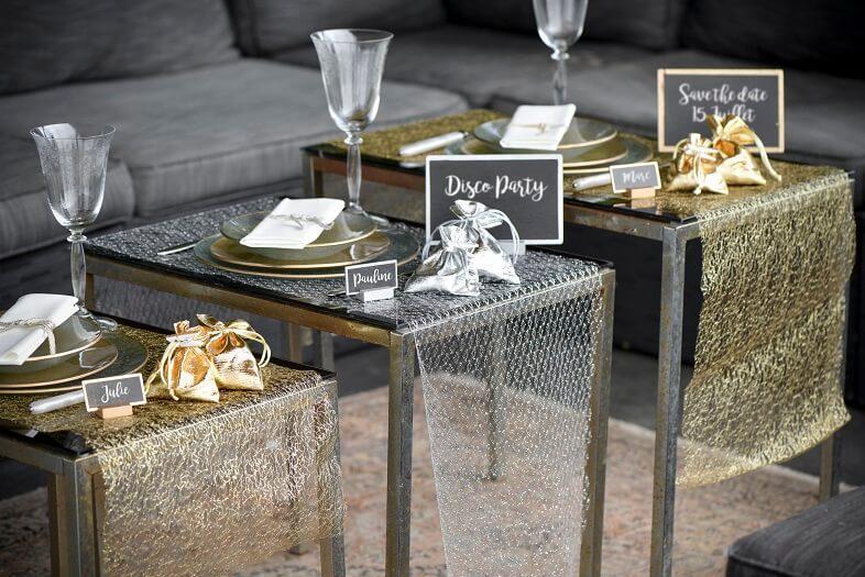 Chemin de table elegant en resille or