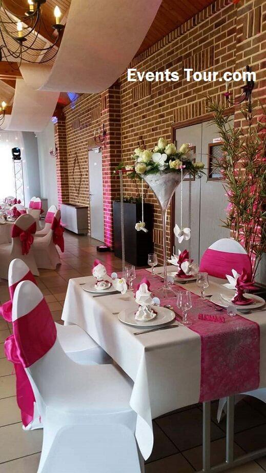 Chemin de table elegant mariage rose fuchsia