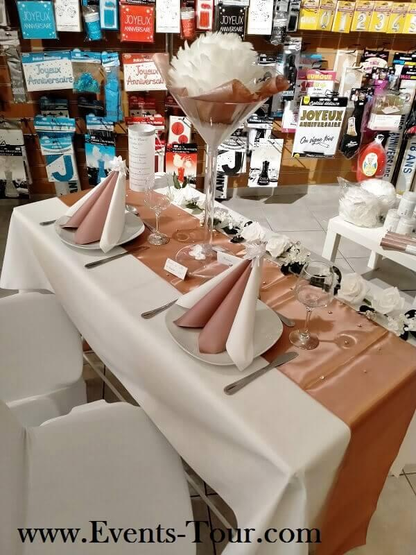 Chemin de table elegant rose gold metallique