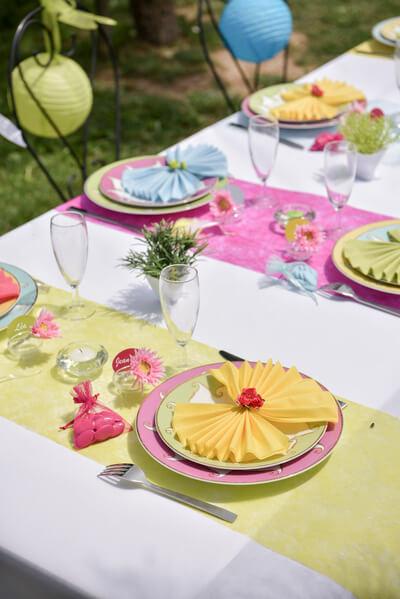 Chemin de table fanon fuchsia 1