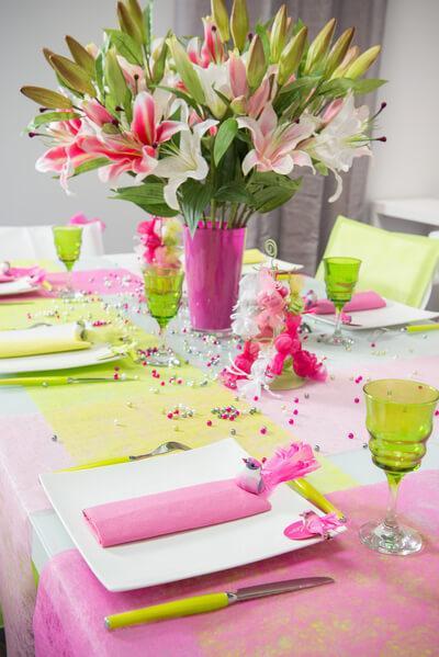Chemin de table fanon rose fuchsia