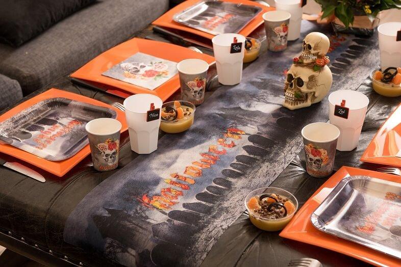 Chemin de table halloween cimetiere lugubre