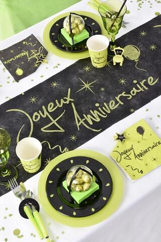 chemin de table anniversaire noir et vert x1 ref 4701. Black Bedroom Furniture Sets. Home Design Ideas