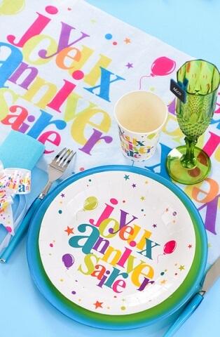 Chemin de table joyeux anniversaire festif 2