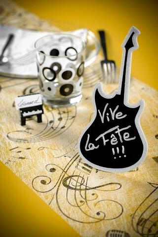 Chemin de table musique 1