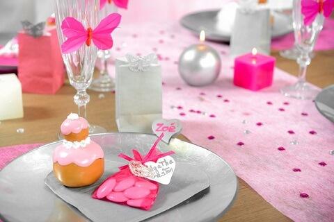 Chemin de table rose 1