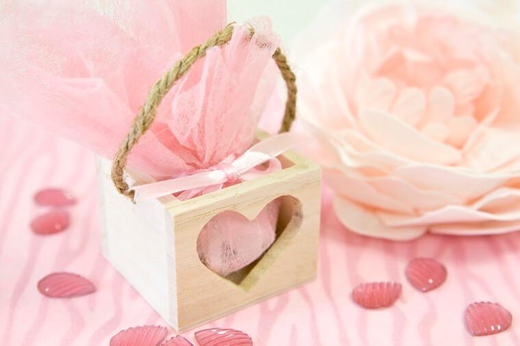 Confection de dragee mariage coeur ajoure