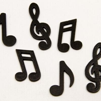 Confettis de table musique noir en bois (x24) REF/DEC467