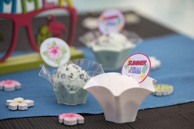 Coupelle petunia blanche en plastique