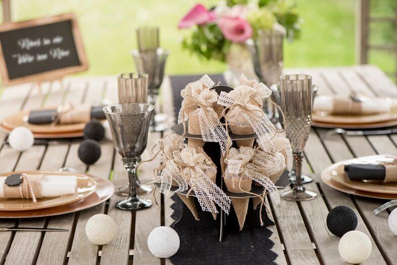 Creation de gourmandise mariage avec cornet en jute naturel