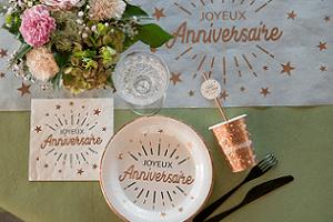 Decoration anniversaire blanc et rose gold