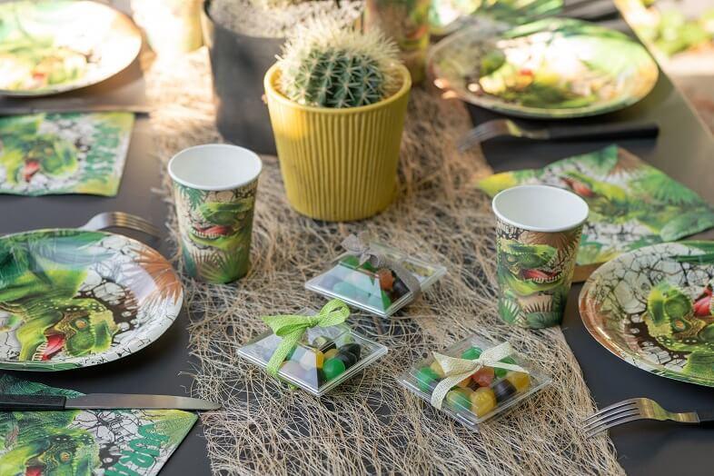Decoration avec chemin de table abaca