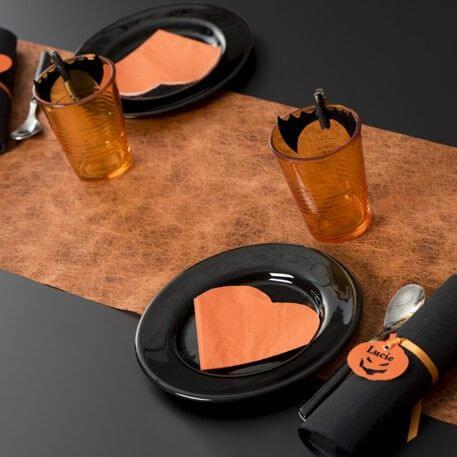 Decoration avec chemin de table fanon orange