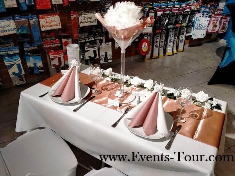 Decoration avec chemin de table rose gold