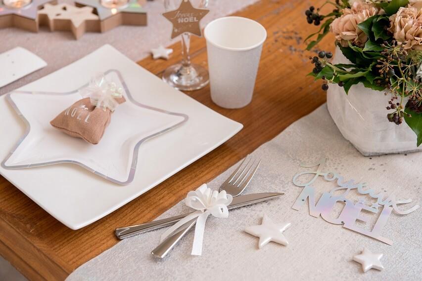 Decoration avec noeud automatique paillete blanc