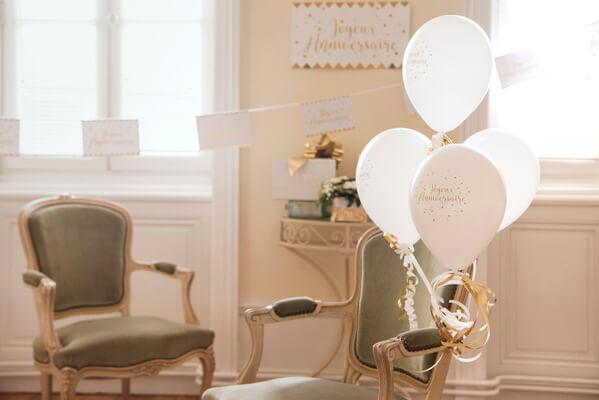 Decoration de ballon anniversaire blanc et or