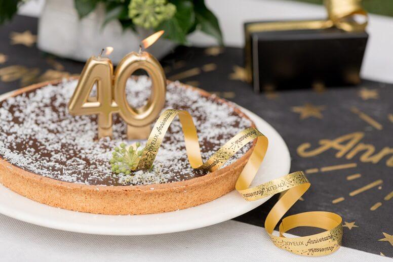 Decoration de gateau d anniversaire avec ruban or
