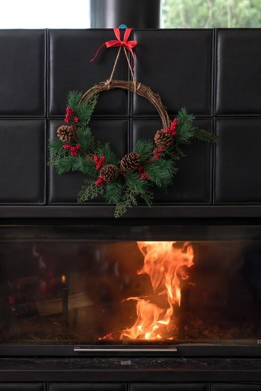 Decoration de noel avec couronne en bois