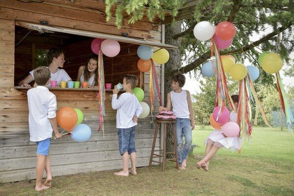 Decoration de salle avec gonflage ballons