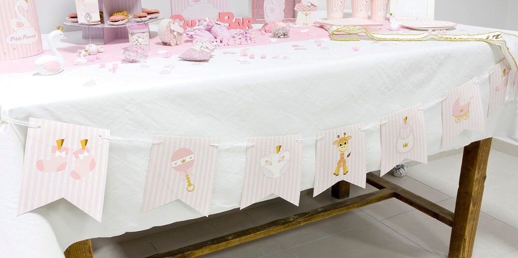 Decoration de salle baby shower rose