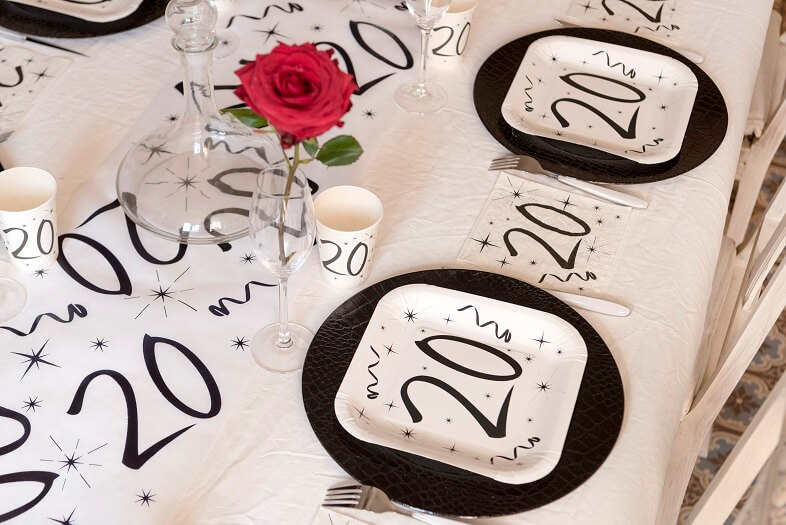 Decoration de table anniversaire 20 ans