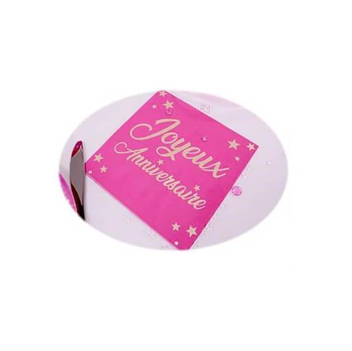 Decoration de table anniversaire avec serviette rose fuchsia
