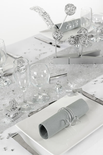 Decoration de table argent et blanc 1