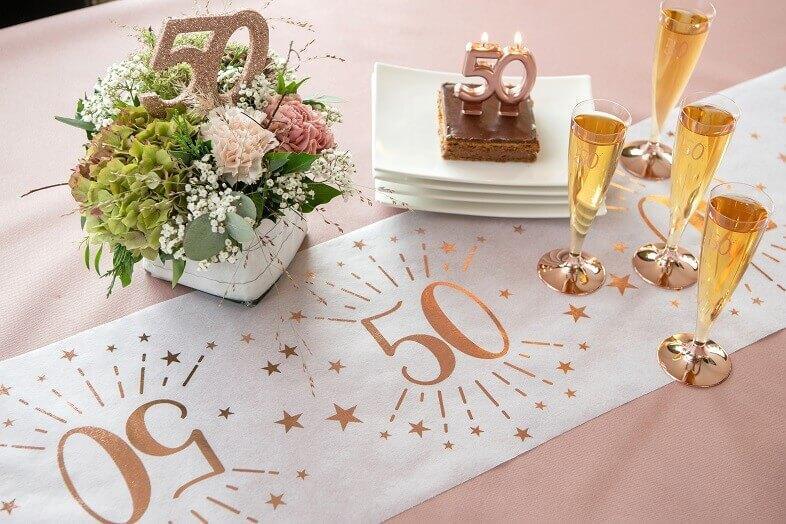 Decoration de table avec chiffre 50 anniversaire rose gold paillete