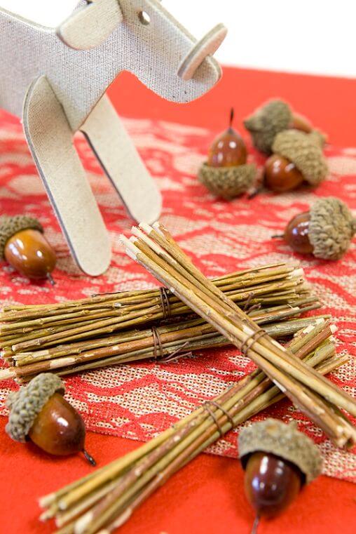Decoration de table avec fagot de bois