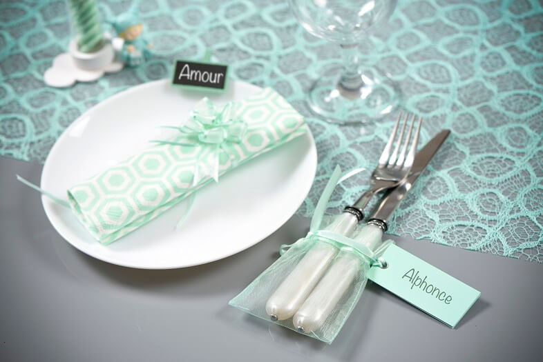 Decoration de table avec sachet organdi mint