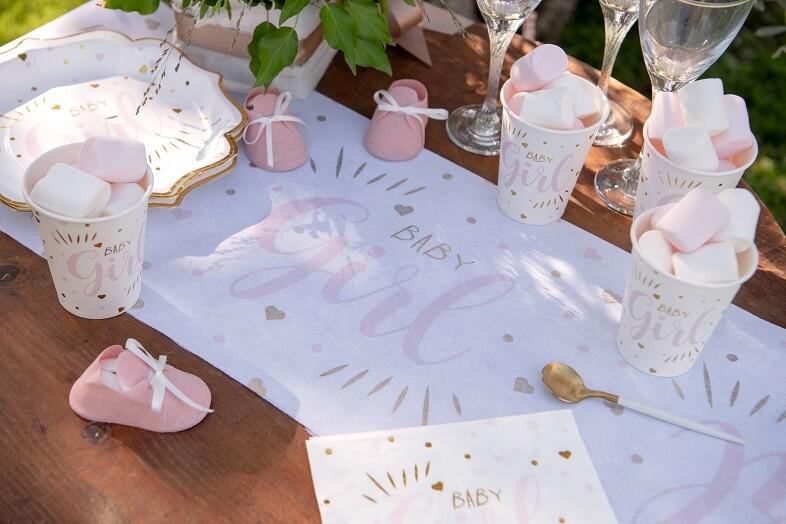 Decoration de table baby shower fille rose et vaisselle