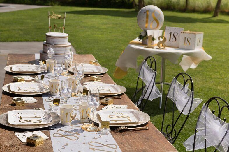 Decoration de table blanc et or 18 ans