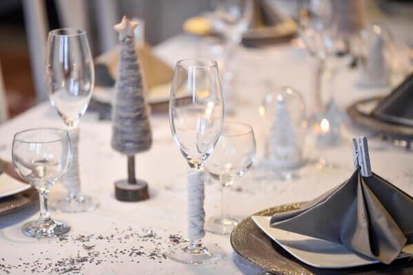 Decoration de table blanche de noel