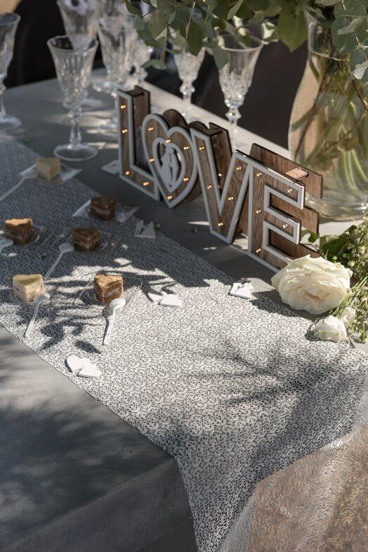 Decoration de table blanche dentelle