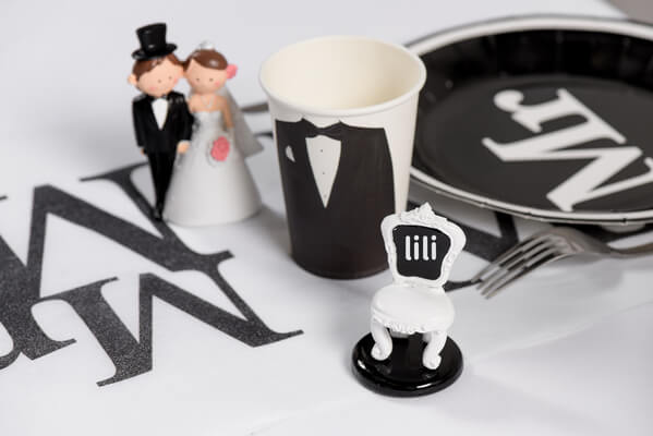 Decoration de table blanche et noire