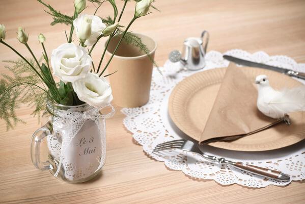 Decoration de table dentelle 1